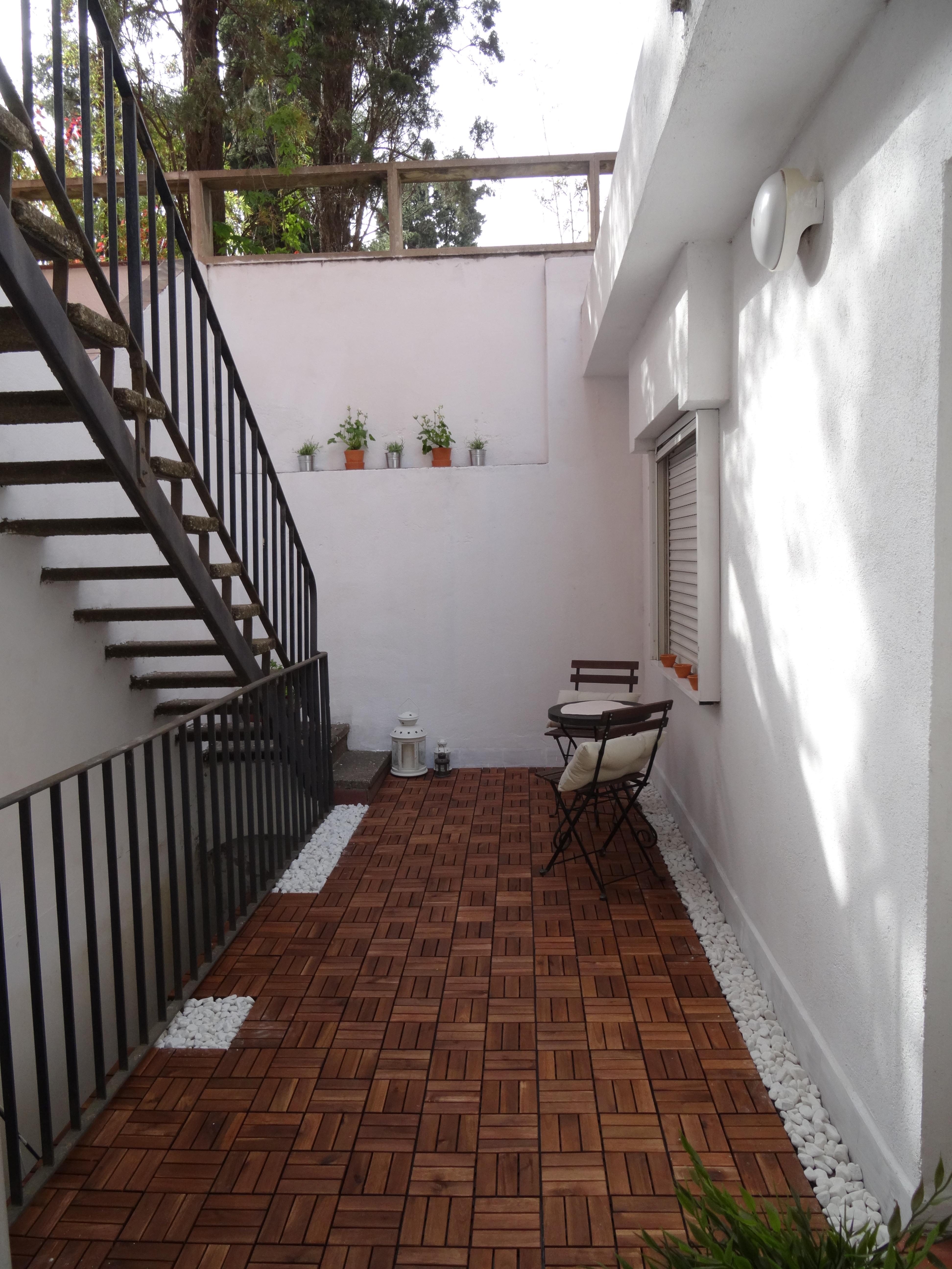 Imitando las terrazas de ikea decoraci n - Farolillos de exterior ...